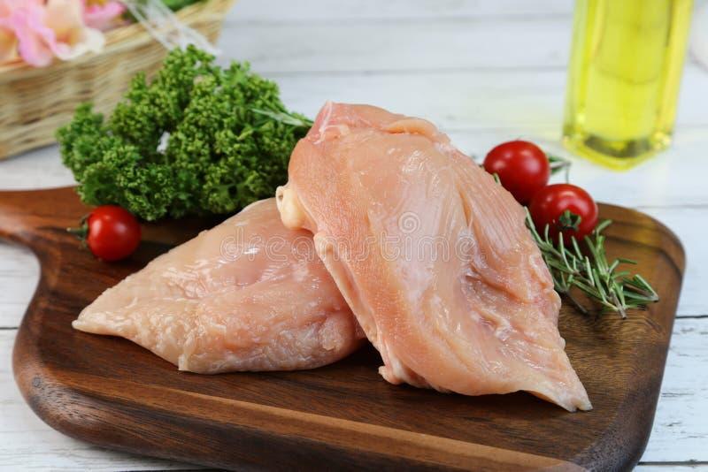 Φρέσκο κρέας στηθών κοτόπουλου στην Ιαπωνία στοκ εικόνες