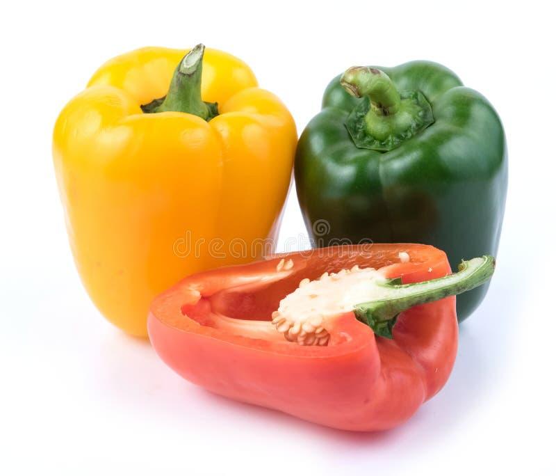 Φρέσκο πράσινο κίτρινο και κόκκινο πιπέρι στοκ φωτογραφία