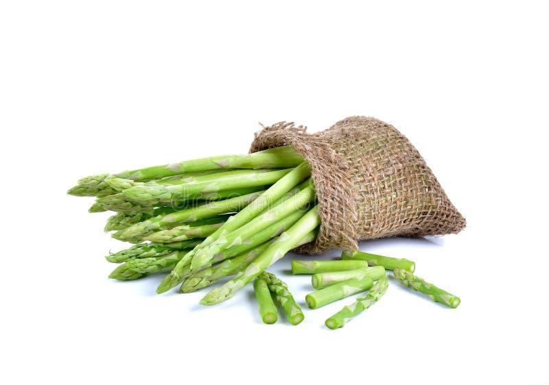 Φρέσκο πράσινο σπαράγγι στο άσπρο υπόβαθρο στοκ φωτογραφία με δικαίωμα ελεύθερης χρήσης