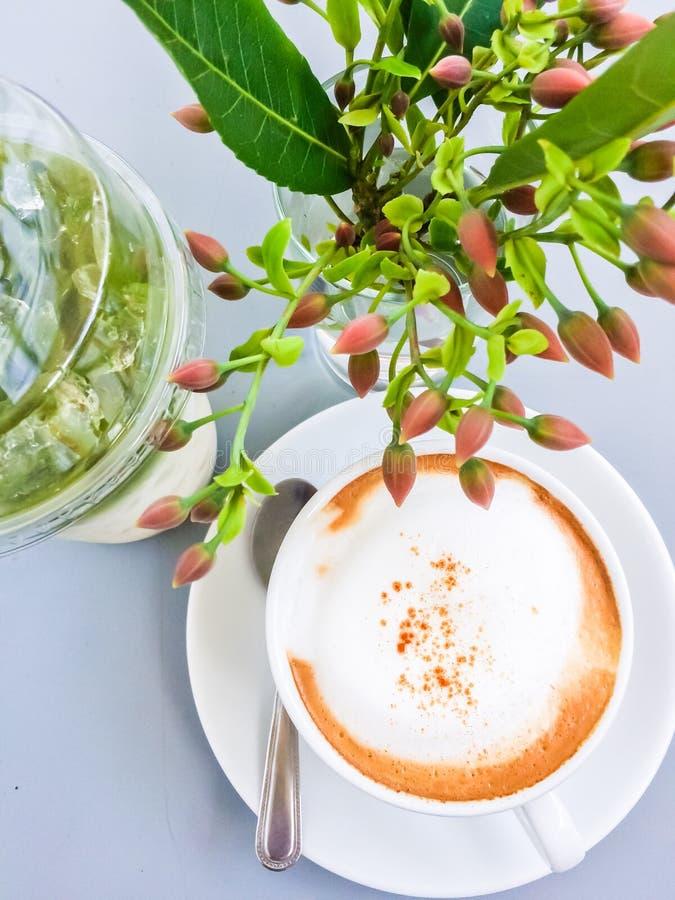 Φρέσκο cappuccino καφέ στοκ φωτογραφία με δικαίωμα ελεύθερης χρήσης