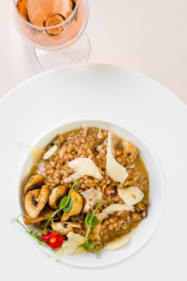 Φρέσκο risotto κριθαριού στοκ φωτογραφία