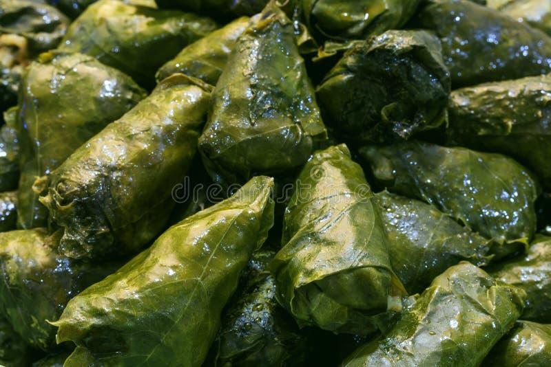 Φρέσκο sarmale, ρουμανικά και μολδαβικά χαρακτηριστικά τρόφιμα στοκ εικόνες