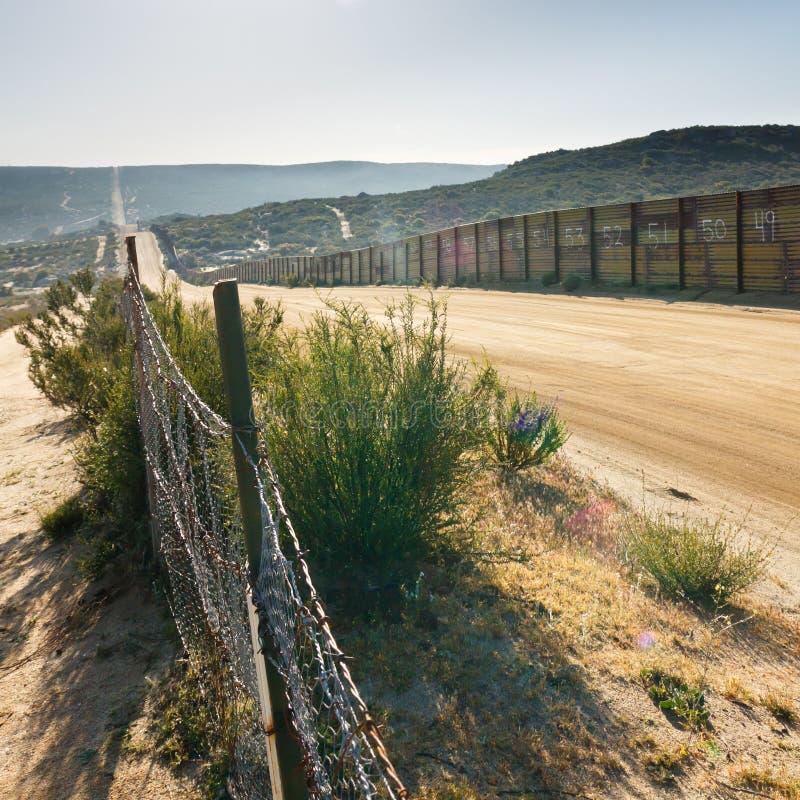 φραγή Μεξικό συνόρων εμείς στοκ φωτογραφία με δικαίωμα ελεύθερης χρήσης