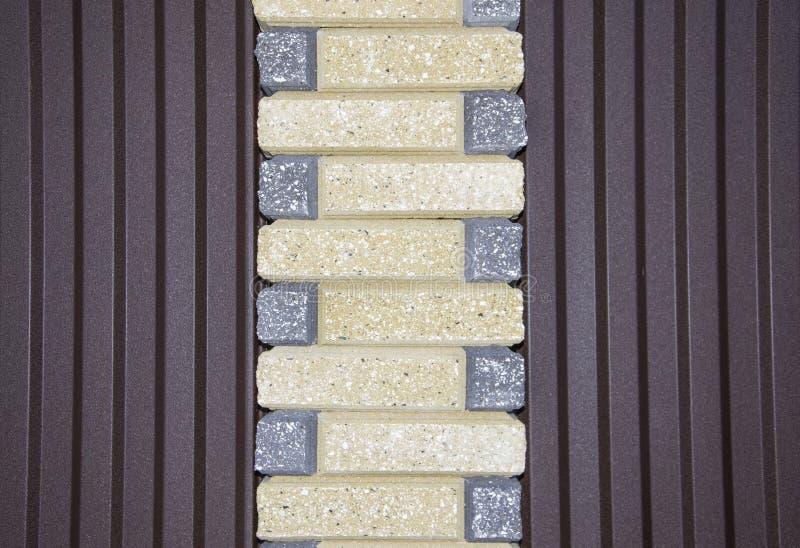 Φραγμοί πετρών σχεδίων επίστρωσης με τη μορφή και το χρώμα ανώμαλες στοκ φωτογραφίες με δικαίωμα ελεύθερης χρήσης