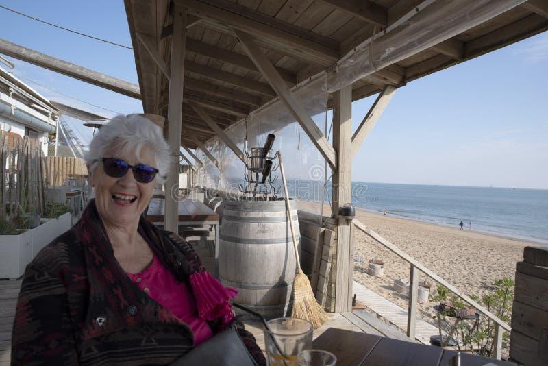 Φραγμός στην παραλία στοκ εικόνες με δικαίωμα ελεύθερης χρήσης