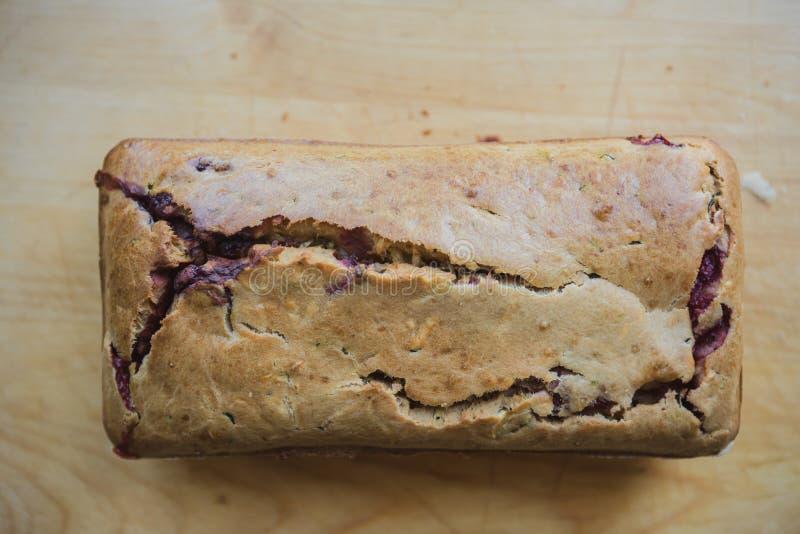 φραντζόλα του σπιτικού ψωμιού με τα berrys στοκ εικόνες με δικαίωμα ελεύθερης χρήσης