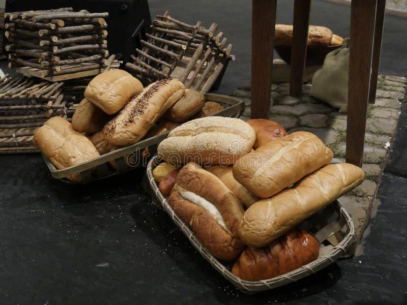 Φραντζόλες του πρόσφατα ψημένου ψωμιού στοκ φωτογραφίες με δικαίωμα ελεύθερης χρήσης