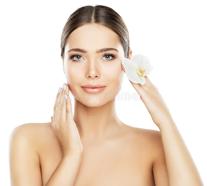 Φροντίδα δέρματος ομορφιάς προσώπου, όμορφη γυναίκα φυσικό Makeup στο λευκό στοκ εικόνες με δικαίωμα ελεύθερης χρήσης