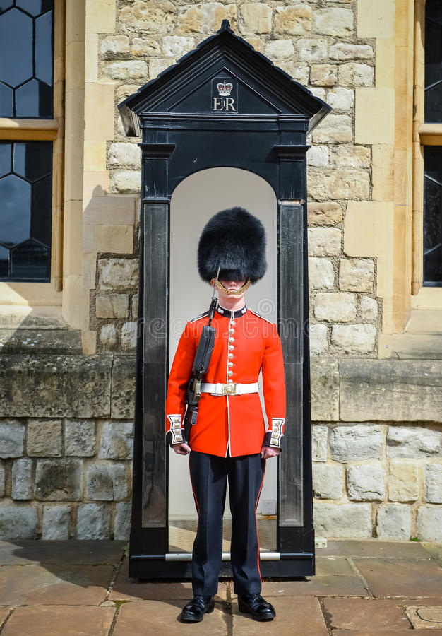 Φρουρά βασίλισσας s, Buckingham Palace, Λονδίνο στοκ εικόνες