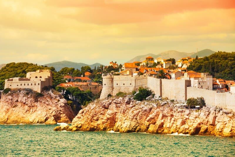 Φρούριο Dubrovnik από τη θάλασσα στοκ εικόνες