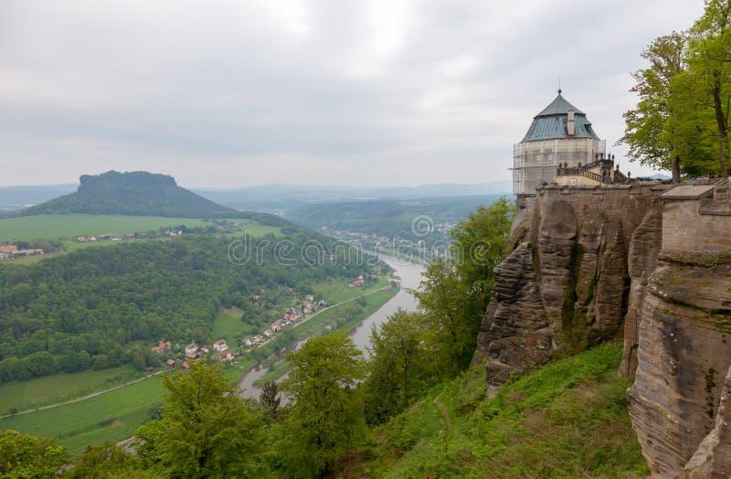 Φρούριο Konigstein Άποψη στον ποταμό Elbe από το φρούριο Konigstein στη Γερμανία στοκ εικόνες