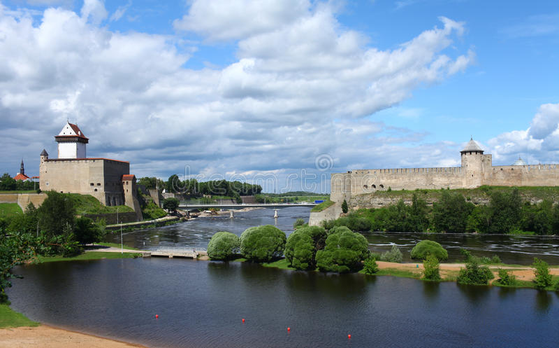 Φρούριο Narva και φρούριο Ivangorod στοκ φωτογραφία