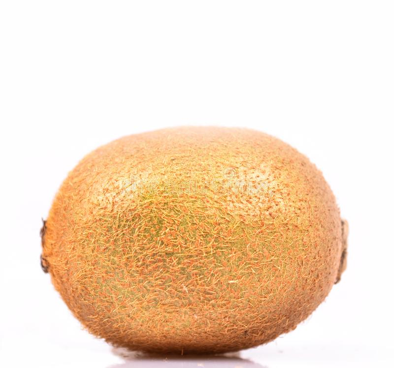 Φρούτα ακτινίδιων που απομονώνονται στο άσπρο υπόβαθρο στοκ εικόνα