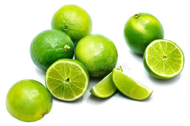 Φρούτα ασβέστη που απομονώνονται στο λευκό στοκ φωτογραφίες