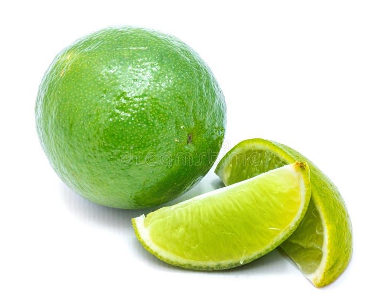Φρούτα ασβέστη που απομονώνονται στο λευκό στοκ φωτογραφία