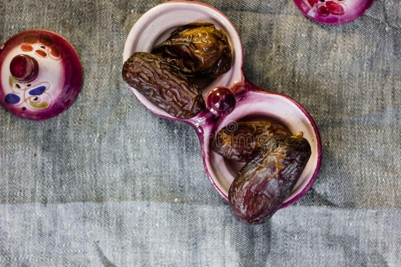 Φρούτα ημερομηνίας για iftar στη ramadan νηστεία στοκ φωτογραφία