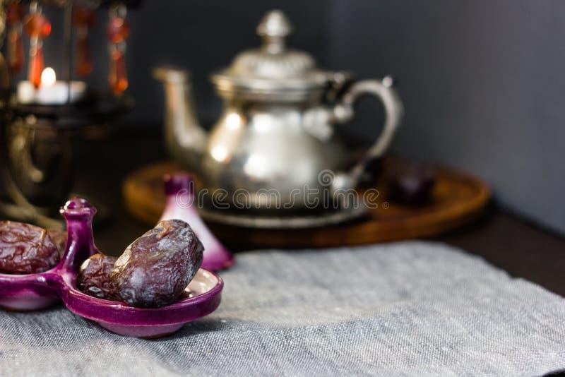 Φρούτα ημερομηνίας για iftar στη ramadan νηστεία στοκ εικόνες