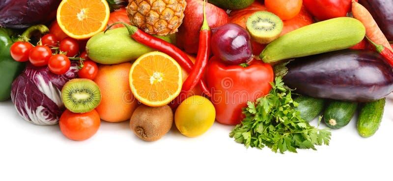 Φρούτα και λαχανικά στο άσπρο υπόβαθρο στοκ φωτογραφία με δικαίωμα ελεύθερης χρήσης