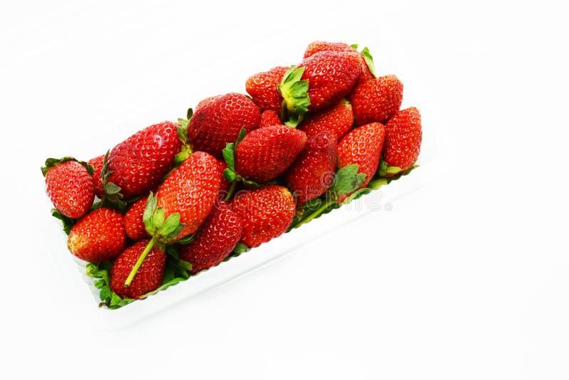 Φρούτα φραουλών στο κιβώτιο στοκ εικόνα