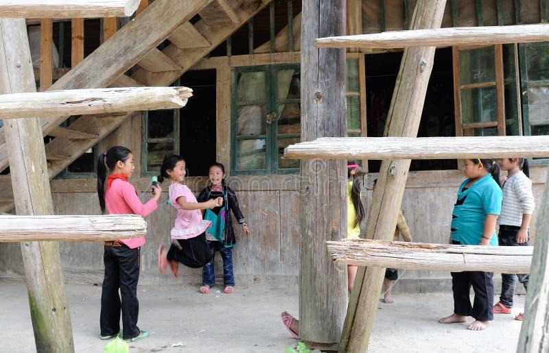 Φτωχό σχολείο στο παλαιό χωριό σε Guizhou, Κίνα στοκ φωτογραφία με δικαίωμα ελεύθερης χρήσης