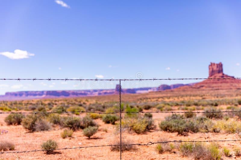 Φυλετικό πάρκο κοιλάδων μνημείων στα Αριζόνα-Γιούτα σύνορα, ΗΠΑ στοκ εικόνες