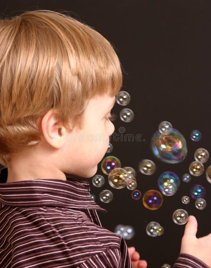 φυσαλίδες αγοριών στοκ φωτογραφία με δικαίωμα ελεύθερης χρήσης