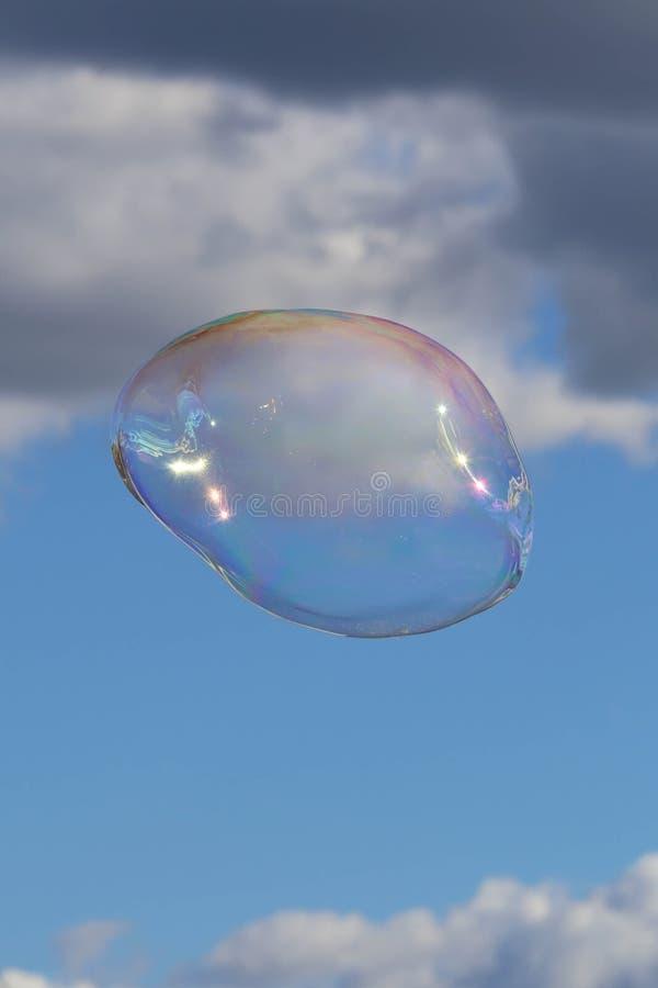Φυσαλίδα στο μπλε ουρανό στοκ φωτογραφία