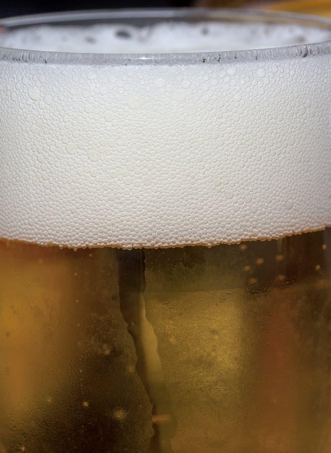 Φυσαλίδες της μπύρας στοκ φωτογραφίες