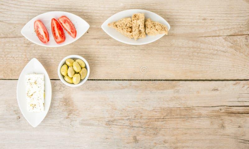 Φυσικά ελληνικά υγιή τρόφιμα τοπ άποψης στοκ εικόνες