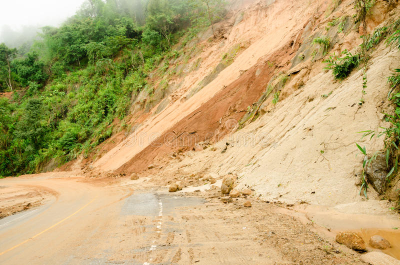 Φυσικές καταστροφές, καθιζήσεις εδάφους κατά τη διάρκεια της περιόδου βροχών στην Ταϊλάνδη στοκ φωτογραφίες