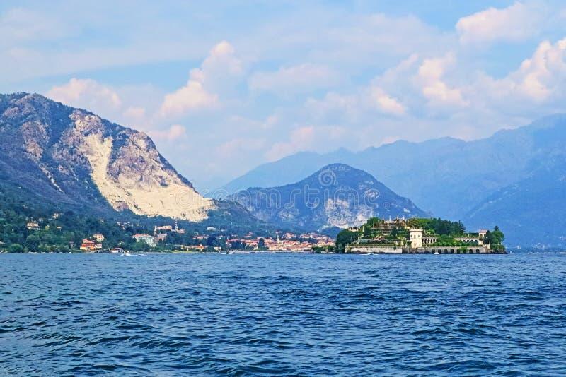 Φυσική άποψη Ιταλία βουνών Άλπεων Maggiore Lago στοκ εικόνες