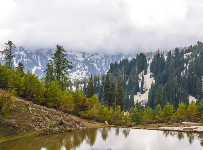 Φυσική άποψη μιας λίμνης PAYE Siri στην κοιλάδα Kaghan, Πακιστάν στοκ εικόνες με δικαίωμα ελεύθερης χρήσης