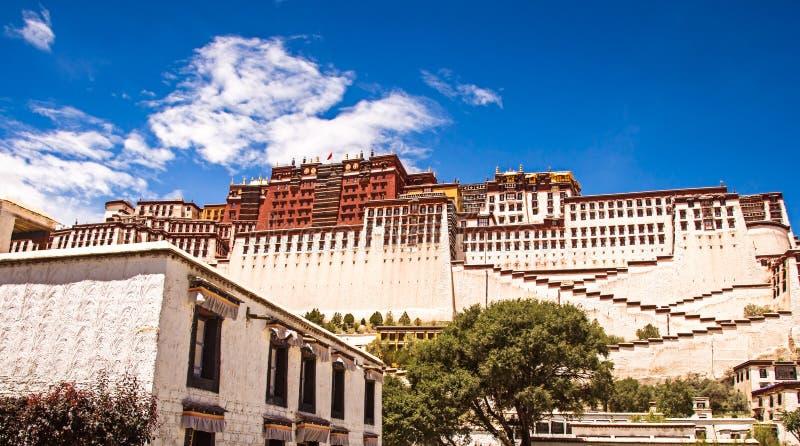Φυσική άποψη του παλατιού Potala, κατοικία Dalailama στοκ εικόνες με δικαίωμα ελεύθερης χρήσης
