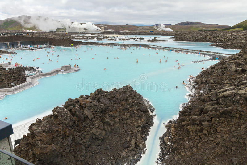 Φυσική γεωθερμική λίμνη λιμνοθαλασσών της Ισλανδίας μπλε στοκ φωτογραφία