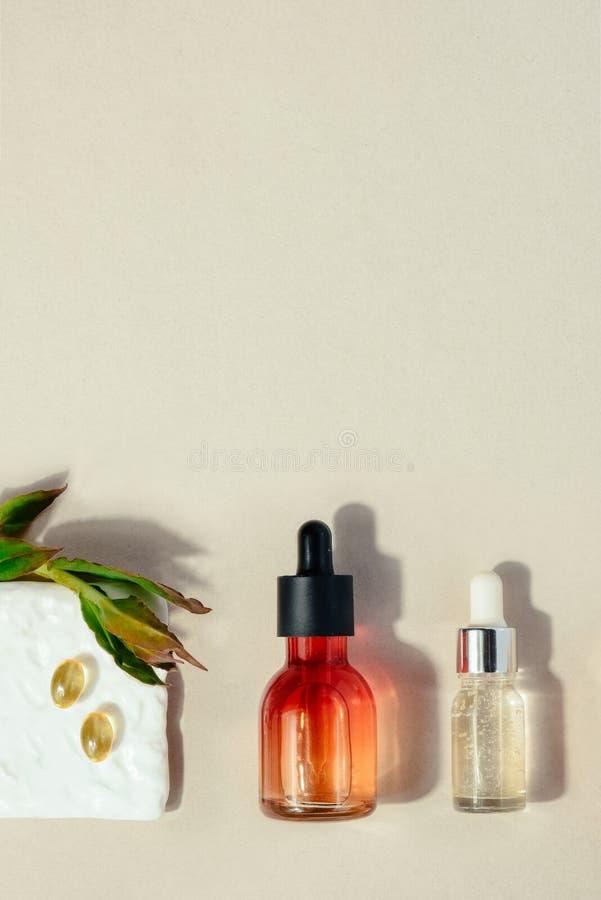 Φυσική καλλυντική έννοια Έννοια υγειονομικής περίθαλψης ομορφιάς δερμάτων Βιο οργανικό προϊόν ορών στοκ εικόνα με δικαίωμα ελεύθερης χρήσης
