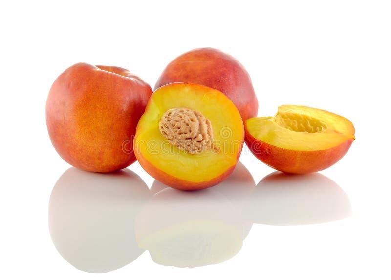 Φυσική συλλογή φρούτων ροδάκινων στοκ εικόνα