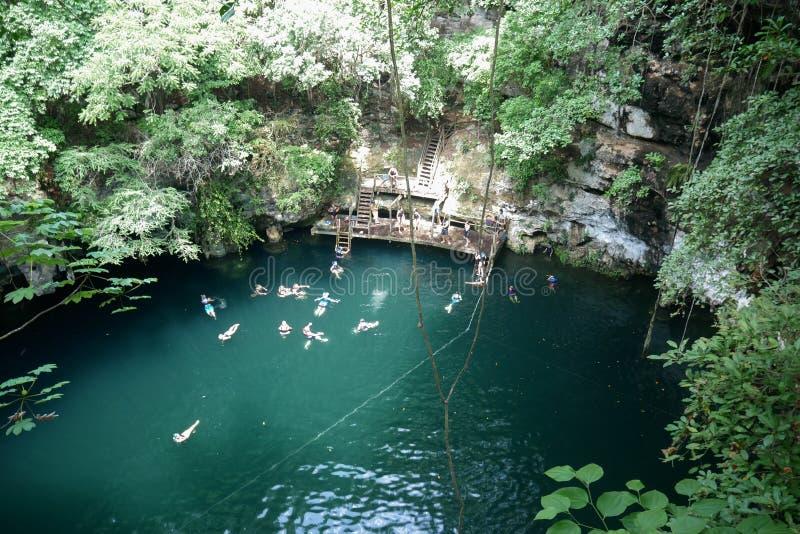 Φυσική τρύπα αποχέτευσης Yucatan στοκ φωτογραφίες