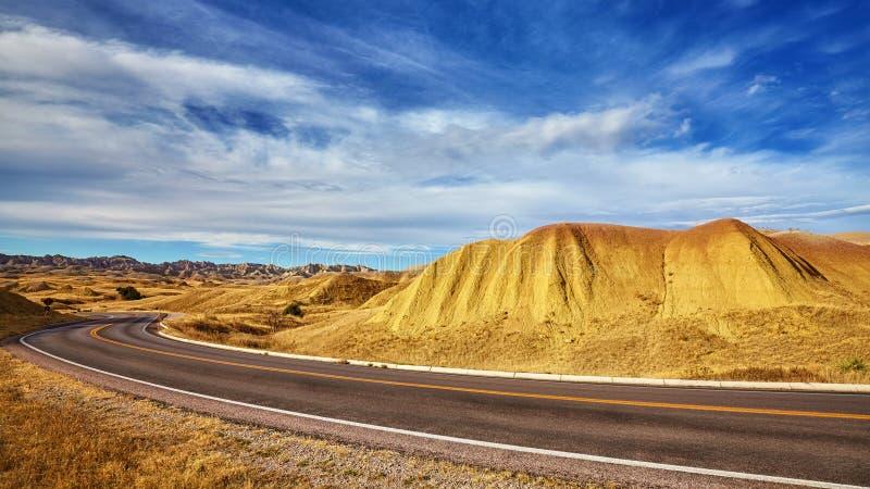 Φυσικός δρόμος στο εθνικό πάρκο Badlands, νότια Ντακότα, ΗΠΑ στοκ φωτογραφίες με δικαίωμα ελεύθερης χρήσης