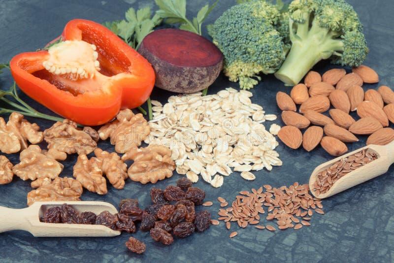 Φυσικό θρεπτικό αγαθό τροφίμων για την υπέρταση και το διαβήτη, υγιής τρόπος ζωής στοκ φωτογραφία