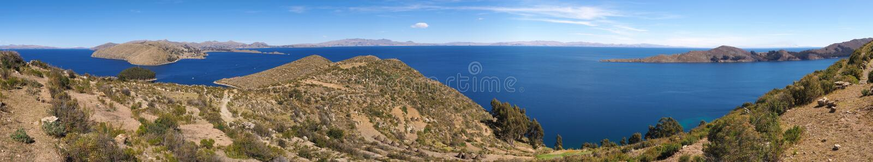 Φυσικό πανόραμα τοπίων της λίμνης Titicaca στοκ εικόνα με δικαίωμα ελεύθερης χρήσης