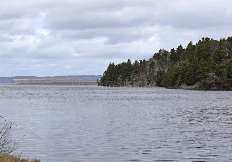 Φυσικό τοπίο ποταμών Manuels την άνοιξη στοκ εικόνα με δικαίωμα ελεύθερης χρήσης