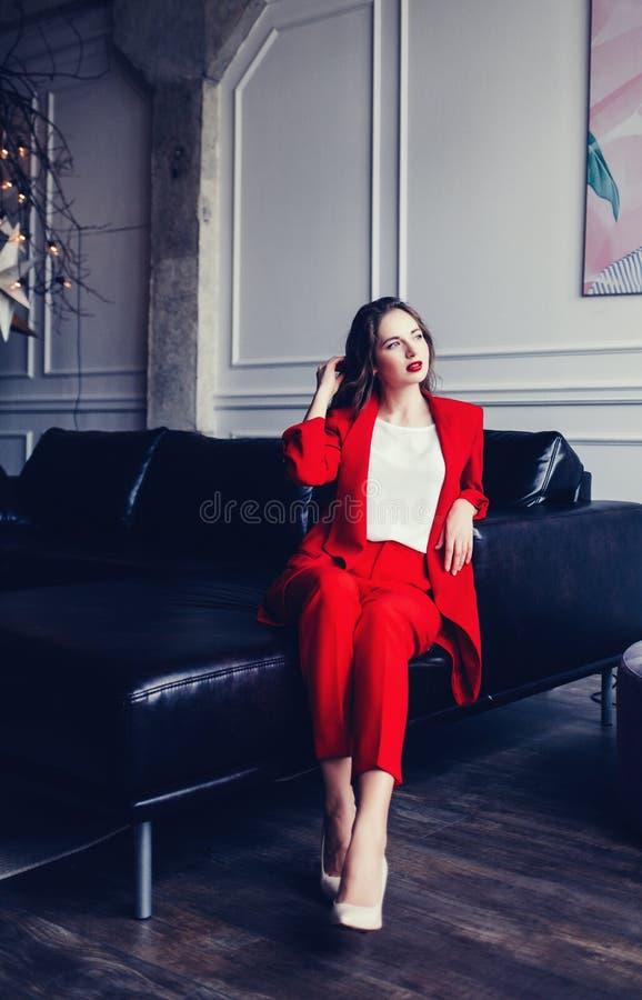 Φυσικό ύφος μόδας ομορφιάς γυναικών στοκ εικόνα