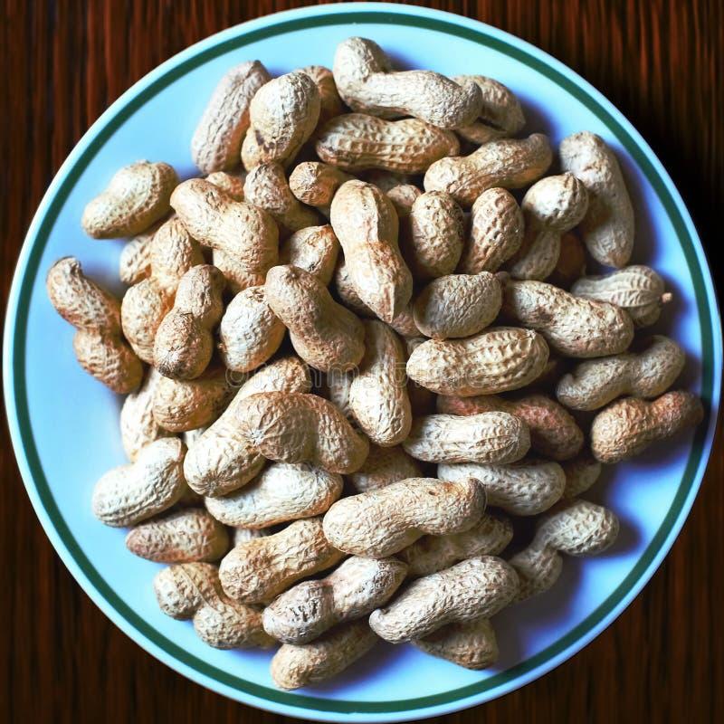 Φυστίκια σε ένα πιάτο στοκ φωτογραφία