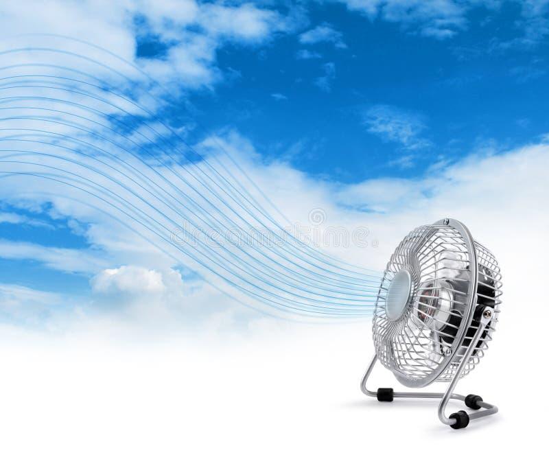 φυσώντας πιό δροσερός ηλεκτρικός ανεμιστήρας αέρα φρέσκος στοκ εικόνες