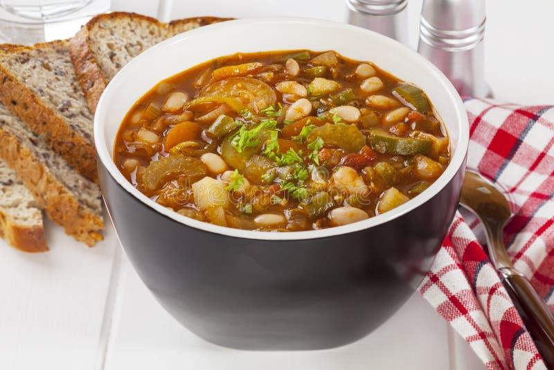 Φυτική σούπα και ψωμί στοκ εικόνα με δικαίωμα ελεύθερης χρήσης