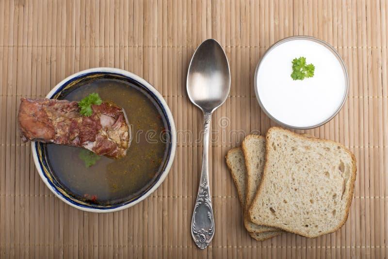 Φυτική σούπα με το καπνισμένο κρέας στοκ φωτογραφίες με δικαίωμα ελεύθερης χρήσης