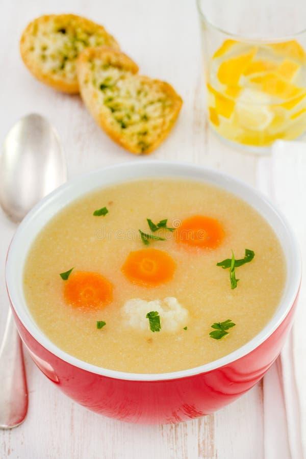 Φυτική σούπα με το κουνουπίδι στοκ εικόνες
