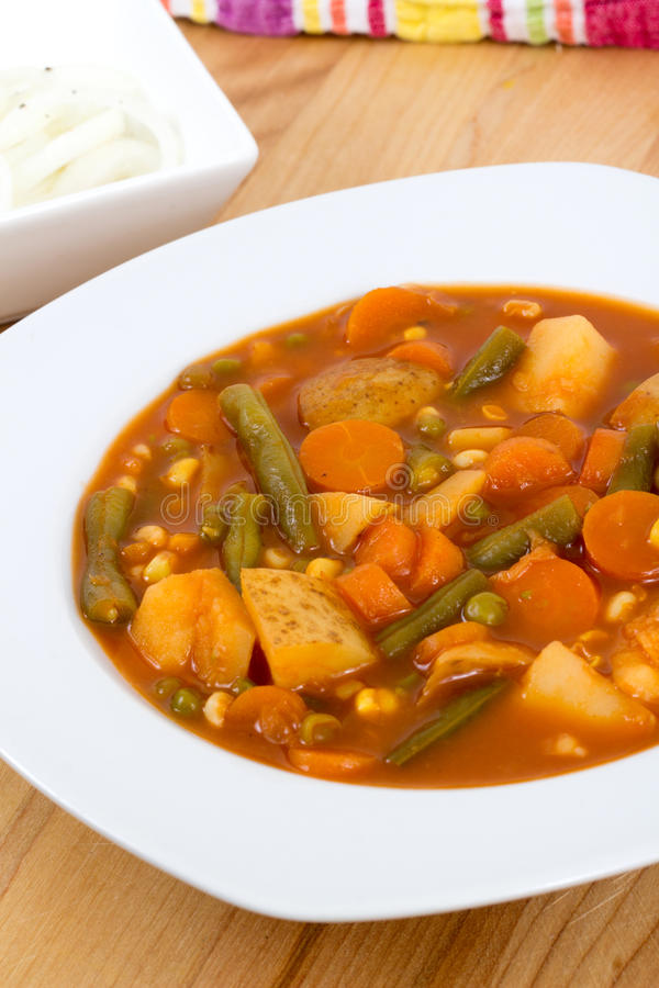 Download Φυτικό stew κύπελλο στοκ εικόνα. εικόνα από γαστρονομικός - 62705903