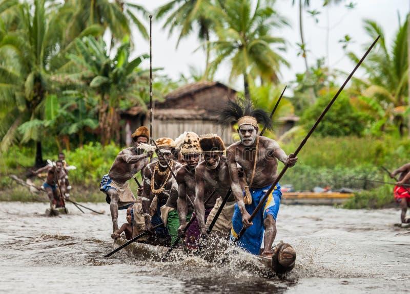 Φυλή Asmat πολεμιστών στοκ φωτογραφία