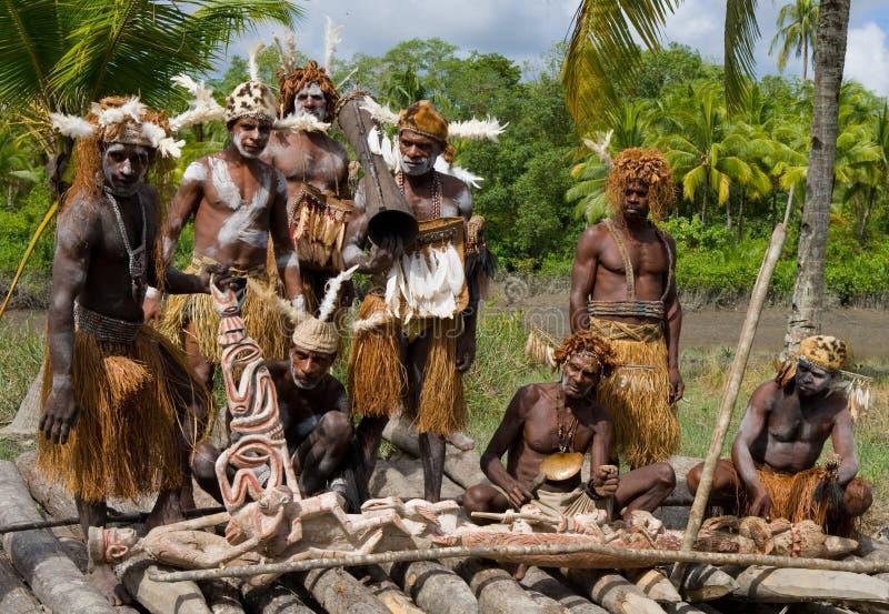 Φυλή Asmat πολεμιστών στοκ εικόνα με δικαίωμα ελεύθερης χρήσης